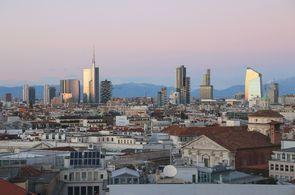 Blick auf Mailand. Mit einem Privatjet von JUMP AWAY AVIATION erreichen Sie Mailand schnell, komfortabel und kosteneffektiv.