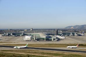 Blick auf das Terminal 1 am Flughafen Barcelona